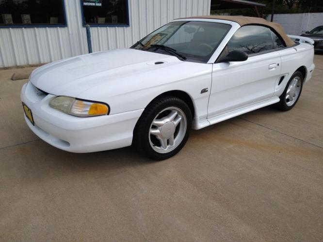 1995 WHITE FORD MUSTANG (1FALP45T5SF) with an V8, 5.0L engine, located at 5605 Crowley Road, Fort Worth, TX, 76134, (817) 989-9255, 36.148457, -115.048225 - Photo #0