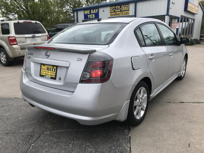 2011 SILVER NISSAN SENTRA (3N1AB6AP6BL) with an L4, 2.0L engine, located at 5605 Crowley Road, Fort Worth, TX, 76134, (817) 989-9255, 36.148457, -115.048225 - Photo #3