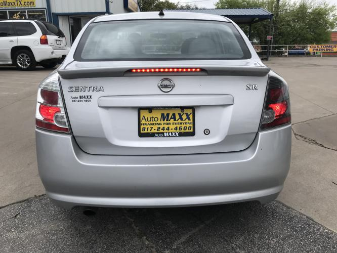 2011 SILVER NISSAN SENTRA (3N1AB6AP6BL) with an L4, 2.0L engine, located at 5605 Crowley Road, Fort Worth, TX, 76134, (817) 989-9255, 36.148457, -115.048225 - Photo #4