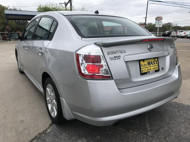2011 SILVER NISSAN SENTRA (3N1AB6AP6BL) with an L4, 2.0L engine, located at 5605 Crowley Road, Fort Worth, TX, 76134, (817) 989-9255, 36.148457, -115.048225 - Photo #5