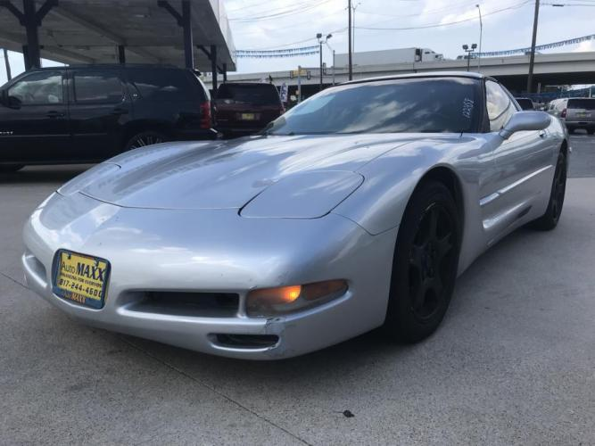 1999 SILVER CHEVROLET CORVETTE (1G1YY22G3X5) with an V8, 5.7L engine, located at 5605 Crowley Road, Fort Worth, TX, 76134, (817) 989-9255, 36.148457, -115.048225 - Photo #0