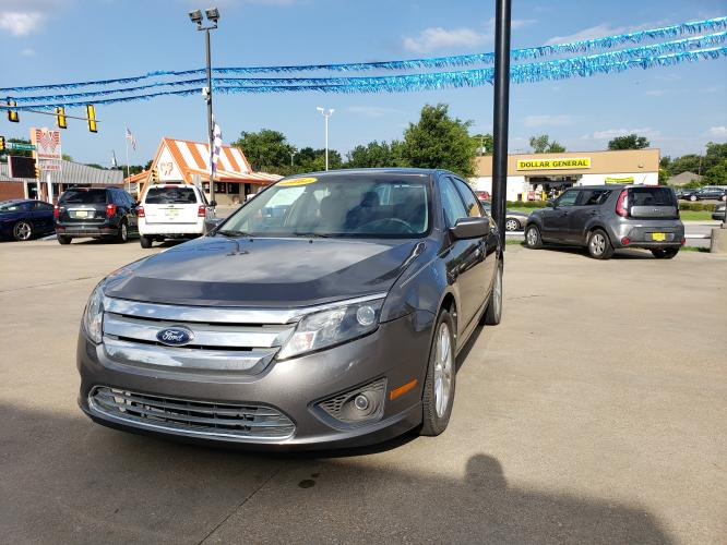 2012 GRAY FORD FUSION (3FAHP07198R) with an V6, 3.0L engine, located at 5605 Crowley Road, Fort Worth, TX, 76134, (817) 989-9255, 36.148457, -115.048225 - Photo #0