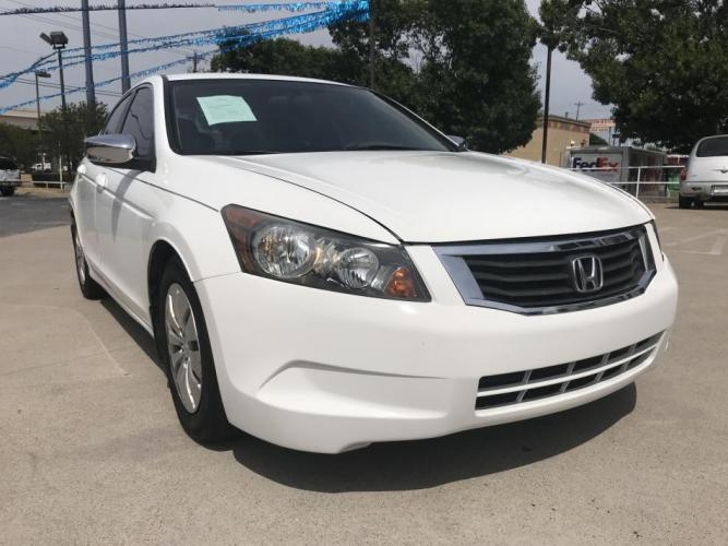 2010 WHITE HONDA ACCORD (1HGCP2F37AA) with an L4, 2.4L engine, 5 SPEED AUTOMATIC transmission, located at 5605 Crowley Road, Fort Worth, TX, 76134, (817) 989-9255, 36.148457, -115.048225 - Photo #2
