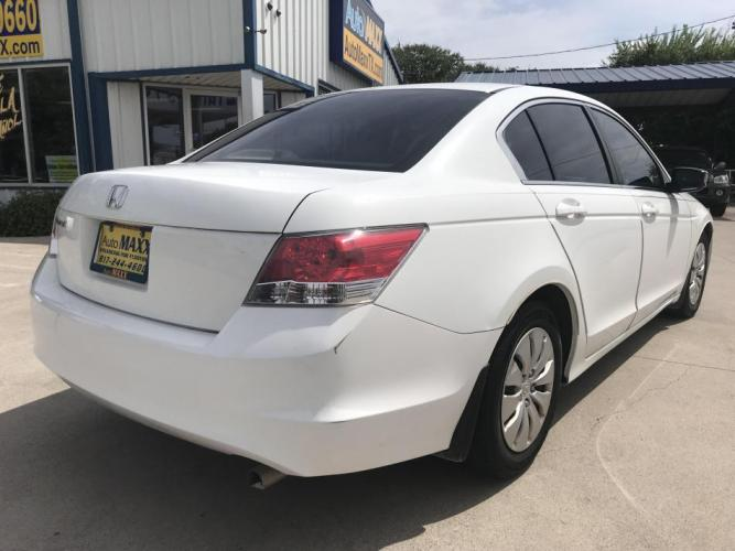 2010 WHITE HONDA ACCORD (1HGCP2F37AA) with an L4, 2.4L engine, 5 SPEED AUTOMATIC transmission, located at 5605 Crowley Road, Fort Worth, TX, 76134, (817) 989-9255, 36.148457, -115.048225 - Photo #3