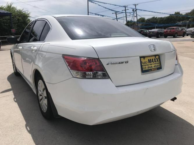 2010 WHITE HONDA ACCORD (1HGCP2F37AA) with an L4, 2.4L engine, 5 SPEED AUTOMATIC transmission, located at 5605 Crowley Road, Fort Worth, TX, 76134, (817) 989-9255, 36.148457, -115.048225 - Photo #5