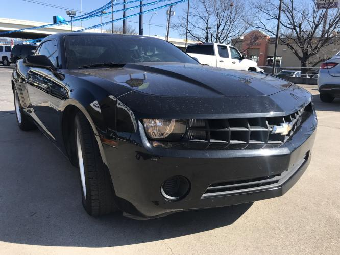 2012 BLACK CHEVROLET CAMARO (2G1FA1E3XC9) with an V6, 3.6L; FFV; DOHC engine, 6 SPEED AUTOMATIC transmission, located at 5605 Crowley Road, Fort Worth, TX, 76134, (817) 989-9255, 36.148457, -115.048225 - Photo #2