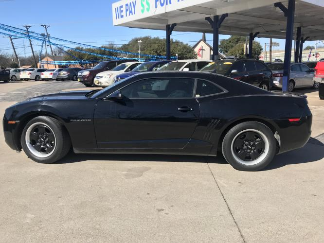 2012 BLACK CHEVROLET CAMARO (2G1FA1E3XC9) with an V6, 3.6L; FFV; DOHC engine, 6 SPEED AUTOMATIC transmission, located at 5605 Crowley Road, Fort Worth, TX, 76134, (817) 989-9255, 36.148457, -115.048225 - Photo #6