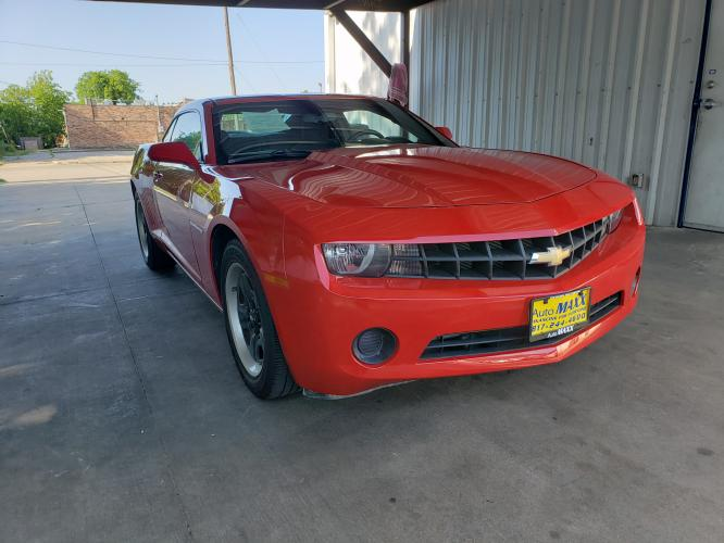 2012 RED CHEVROLET CAMARO (2G1FA1E39C9) with an V6, 3.6L; FFV; DOHC engine, 6 SPEED AUTOMATIC transmission, located at 5605 Crowley Road, Fort Worth, TX, 76134, (817) 989-9255, 36.148457, -115.048225 - Photo #2