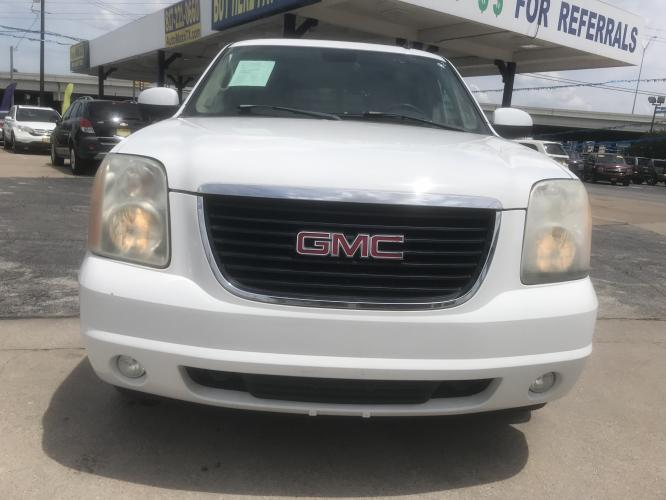 2007 WHITE GMC YUKON (1GKFC13JX7J) with an V8, 5.3L engine, located at 5605 Crowley Road, Fort Worth, TX, 76134, (817) 989-9255, 36.148457, -115.048225 - Photo #1