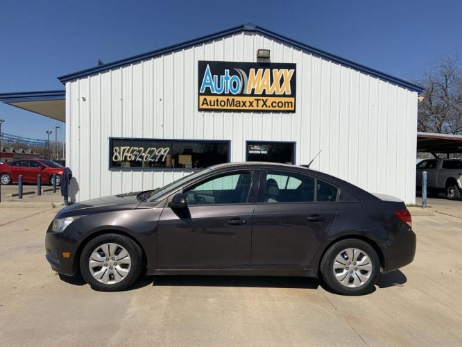 2014 GRAY CHEVROLET CRUZE (1G1PA5SH1E7) with an L4, 1.8L; FFV; DOHC engine, 6 SPEED AUTOMATIC transmission, located at 5605 Crowley Road, Fort Worth, TX, 76134, (817) 989-9255, 36.148457, -115.048225 - Photo #0