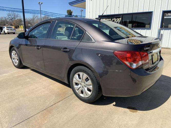 2014 GRAY CHEVROLET CRUZE (1G1PA5SH1E7) with an L4, 1.8L; FFV; DOHC engine, 6 SPEED AUTOMATIC transmission, located at 5605 Crowley Road, Fort Worth, TX, 76134, (817) 989-9255, 36.148457, -115.048225 - Photo #10