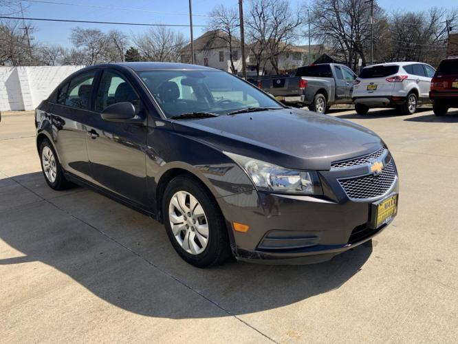 2014 GRAY CHEVROLET CRUZE (1G1PA5SH1E7) with an L4, 1.8L; FFV; DOHC engine, 6 SPEED AUTOMATIC transmission, located at 5605 Crowley Road, Fort Worth, TX, 76134, (817) 989-9255, 36.148457, -115.048225 - Photo #12