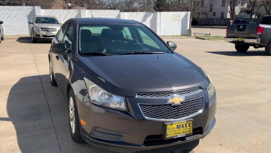 2014 GRAY CHEVROLET CRUZE (1G1PA5SH1E7) with an L4, 1.8L; FFV; DOHC engine, 6 SPEED AUTOMATIC transmission, located at 5605 Crowley Road, Fort Worth, TX, 76134, (817) 989-9255, 36.148457, -115.048225 - Photo #2
