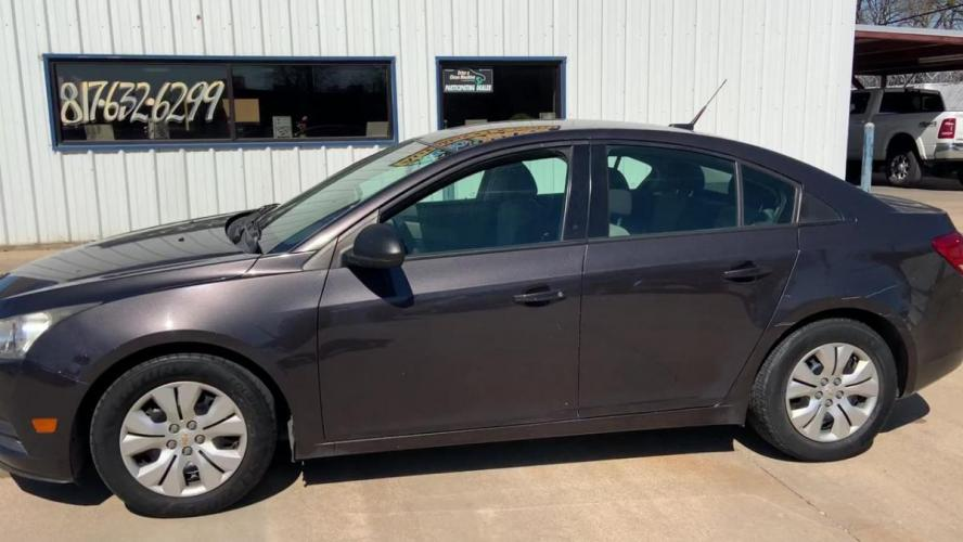 2014 GRAY CHEVROLET CRUZE (1G1PA5SH1E7) with an L4, 1.8L; FFV; DOHC engine, 6 SPEED AUTOMATIC transmission, located at 5605 Crowley Road, Fort Worth, TX, 76134, (817) 989-9255, 36.148457, -115.048225 - Photo #4