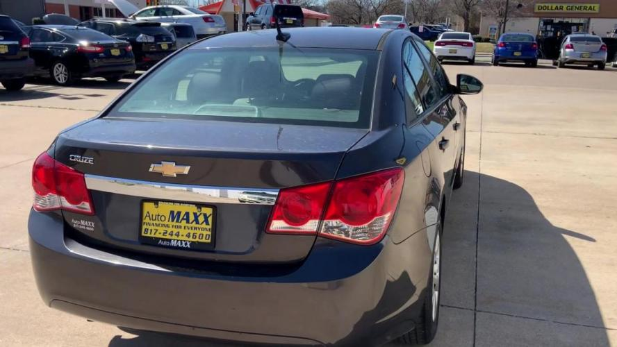 2014 GRAY CHEVROLET CRUZE (1G1PA5SH1E7) with an L4, 1.8L; FFV; DOHC engine, 6 SPEED AUTOMATIC transmission, located at 5605 Crowley Road, Fort Worth, TX, 76134, (817) 989-9255, 36.148457, -115.048225 - Photo #7