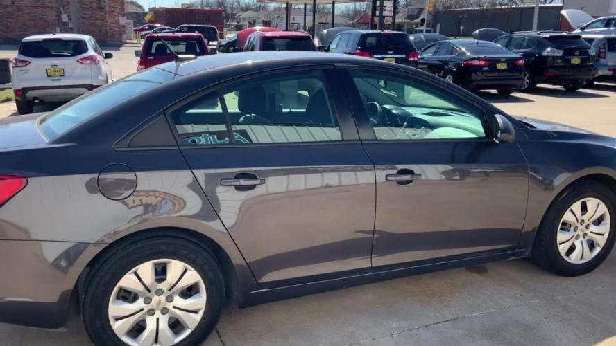 2014 GRAY CHEVROLET CRUZE (1G1PA5SH1E7) with an L4, 1.8L; FFV; DOHC engine, 6 SPEED AUTOMATIC transmission, located at 5605 Crowley Road, Fort Worth, TX, 76134, (817) 989-9255, 36.148457, -115.048225 - Photo #8