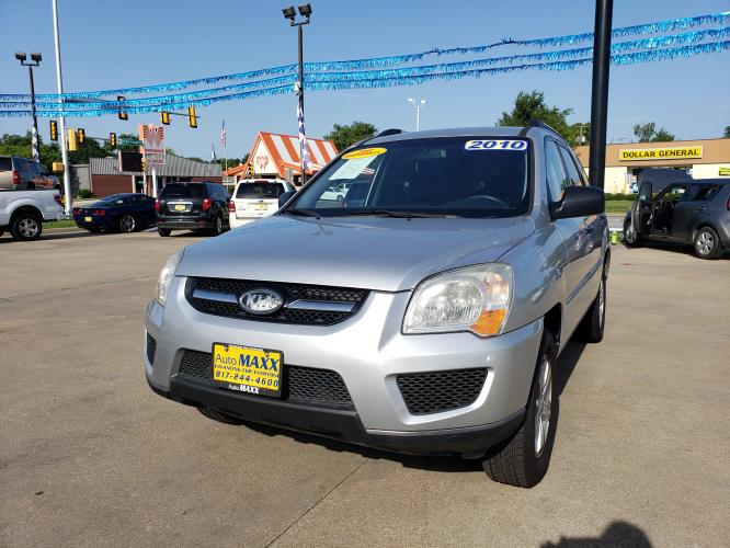 2010 SILVER KIA SPORTAGE (KNDKG3A45A7) with an L4, 2.0L; DOHC engine, located at 5605 Crowley Road, Fort Worth, TX, 76134, (817) 989-9255, 36.148457, -115.048225 - Photo #0