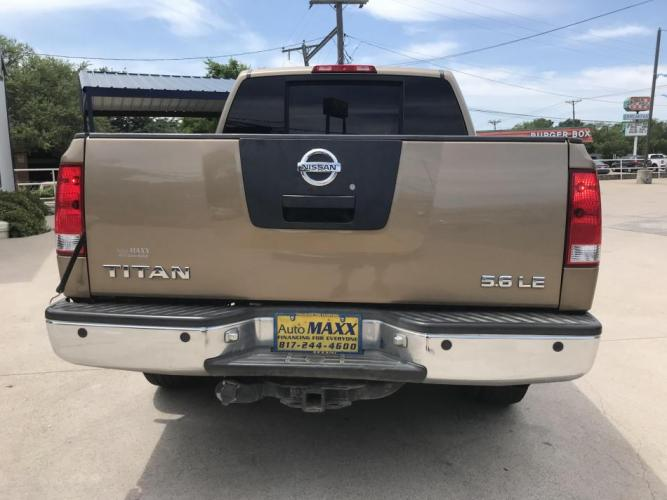 2005 GOLD NISSAN TITAN (1N6BA07A45N) with an V8, 5.6L; FFV engine, located at 5605 Crowley Road, Fort Worth, TX, 76134, (817) 989-9255, 36.148457, -115.048225 - Photo #4
