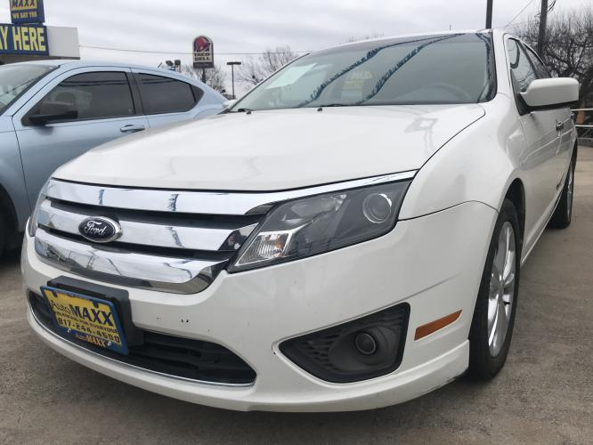 2012 WHITE FORD FUSION (3FAHP0HA2CR) with an L4, 2.5L engine, located at 5605 Crowley Road, Fort Worth, TX, 76134, (817) 989-9255, 36.148457, -115.048225 - Photo #0