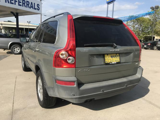 2006 SILVER VOLVO XC90 (YV4CZ592861) with an L5, 2.5L; TURBO engine, located at 5605 Crowley Road, Fort Worth, TX, 76134, (817) 989-9255, 36.148457, -115.048225 - Photo #5