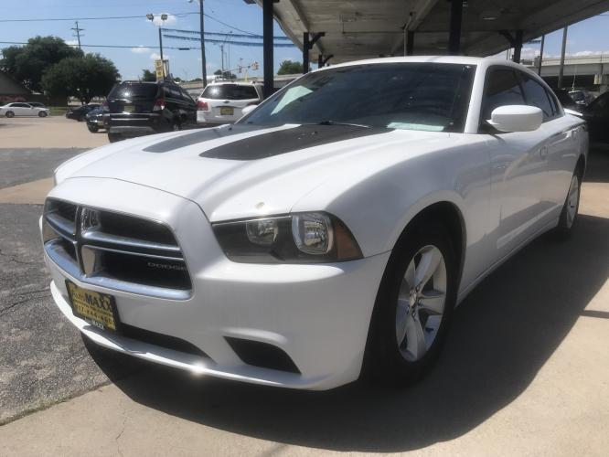 2012 WHITE DODGE CHARGER (2C3CDXBG2CH) with an V6, 3.6L; FFV engine, located at 5605 Crowley Road, Fort Worth, TX, 76134, (817) 989-9255, 36.148457, -115.048225 - Photo #0