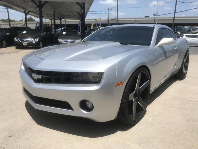 2012 SILVER CHEVROLET CAMARO (2G1FB1E33C9) with an V6, 3.6L; FFV; DOHC engine, 6 SPEED AUTOMATIC transmission, located at 5605 Crowley Road, Fort Worth, TX, 76134, (817) 989-9255, 36.148457, -115.048225 - Photo #0