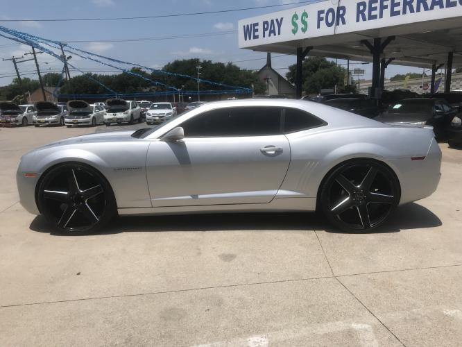 2012 SILVER CHEVROLET CAMARO (2G1FB1E33C9) with an V6, 3.6L; FFV; DOHC engine, 6 SPEED AUTOMATIC transmission, located at 5605 Crowley Road, Fort Worth, TX, 76134, (817) 989-9255, 36.148457, -115.048225 - Photo #6