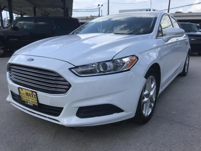 2014 WHITE FORD FUSION (1FA6P0G7XE5) with an L4, 2.5L engine, located at 5605 Crowley Road, Fort Worth, TX, 76134, (817) 989-9255, 36.148457, -115.048225 - Photo #0