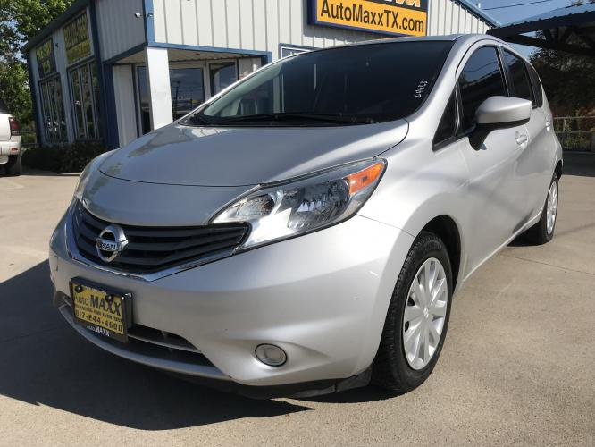 2016 SILVER NISSAN VERSA NOTE (3N1CE2CP7GL) with an L4, 1.6L engine, located at 5605 Crowley Road, Fort Worth, TX, 76134, (817) 989-9255, 36.148457, -115.048225 - Photo #0
