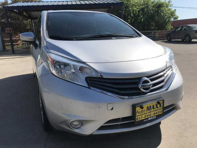 2016 SILVER NISSAN VERSA NOTE (3N1CE2CP7GL) with an L4, 1.6L engine, located at 5605 Crowley Road, Fort Worth, TX, 76134, (817) 989-9255, 36.148457, -115.048225 - Photo #2
