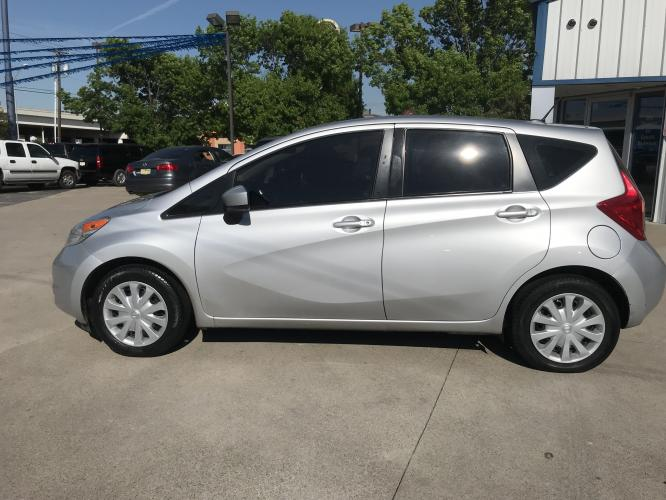 2016 SILVER NISSAN VERSA NOTE (3N1CE2CP7GL) with an L4, 1.6L engine, located at 5605 Crowley Road, Fort Worth, TX, 76134, (817) 989-9255, 36.148457, -115.048225 - Photo #6