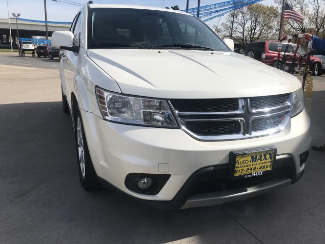 2013 WHITE DODGE JOURNEY (3C4PDCBG6DT) with an V6, 3.6L; FFV; DOHC engine, located at 5605 Crowley Road, Fort Worth, TX, 76134, (817) 989-9255, 36.148457, -115.048225 - Photo #2