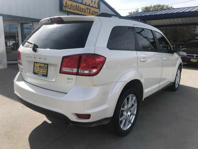 2013 WHITE DODGE JOURNEY (3C4PDCBG6DT) with an V6, 3.6L; FFV; DOHC engine, located at 5605 Crowley Road, Fort Worth, TX, 76134, (817) 989-9255, 36.148457, -115.048225 - Photo #3