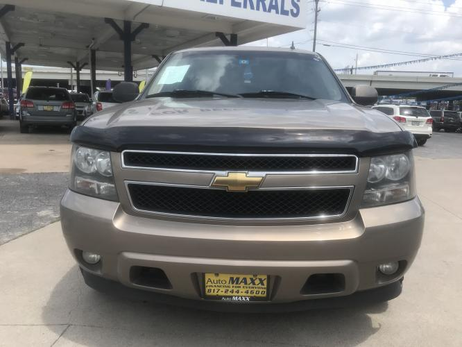 2007 TAN CHEVROLET SUBURBAN (1GNFC16067R) with an V8, 5.3L; FFV engine, located at 5605 Crowley Road, Fort Worth, TX, 76134, (817) 989-9255, 36.148457, -115.048225 - Photo #1