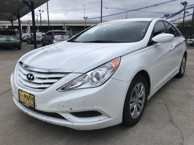 2011 WHITE HYUNDAI SONATA (5NPEB4AC8BH) with an L4, 2.4L engine, located at 5605 Crowley Road, Fort Worth, TX, 76134, (817) 989-9255, 36.148457, -115.048225 - Photo #0