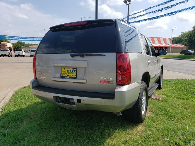 2008 SILVER GMC YUKON , located at 5605 Crowley Road, Fort Worth, TX, 76134, (817) 989-9255, 36.148457, -115.048225 - Photo #5