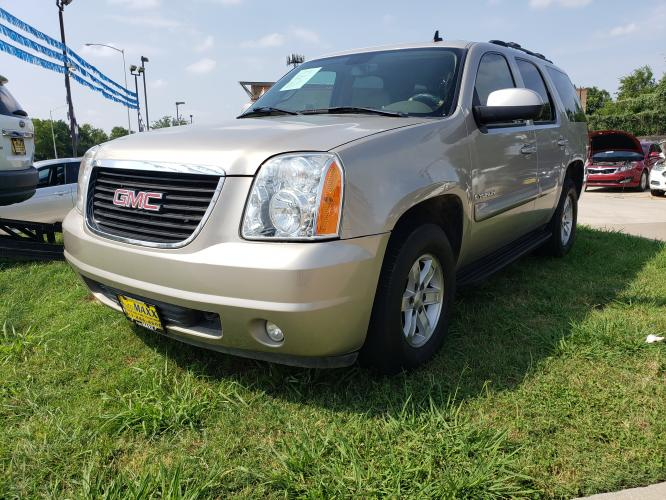 2008 SILVER GMC YUKON , located at 5605 Crowley Road, Fort Worth, TX, 76134, (817) 989-9255, 36.148457, -115.048225 - Photo #0